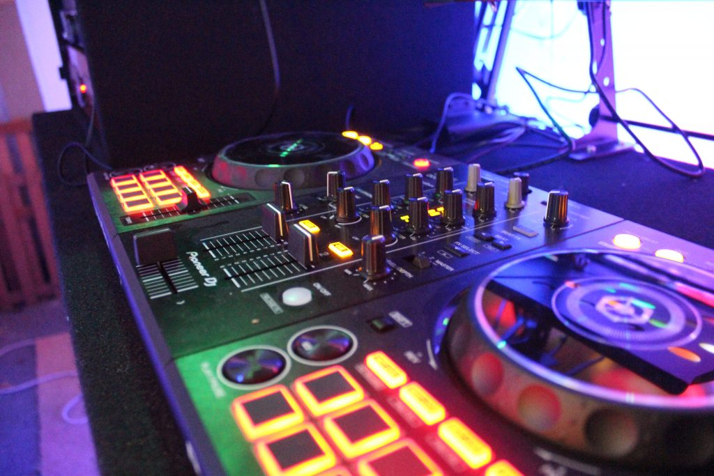 Four To The Floor DJ and Disco Controller
